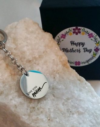 Mothers day gift, Love you mom Engraved key chain, silver key charm with message, key holder plate, gift for mom under 15, Ready to ship.